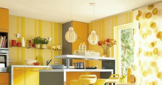 Žlutá barva se skvěle hodí do kuchyní a obývacích pokojů. Rozveselí vás a dodá vám energii.