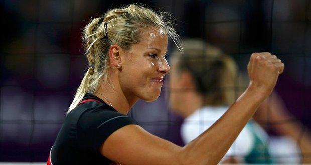 Markéta Sluková se raduje z bodu v zápase proti Australankám