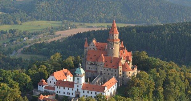 Německý řád nevzdává boj o hrad Bouzov. Podal ústavní stížnost