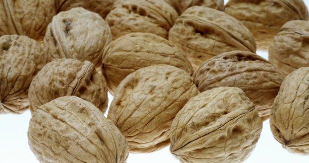 U některých lidí způsobují oříšky vážné alergické projevy, které mohou být i životu nebezpečné.