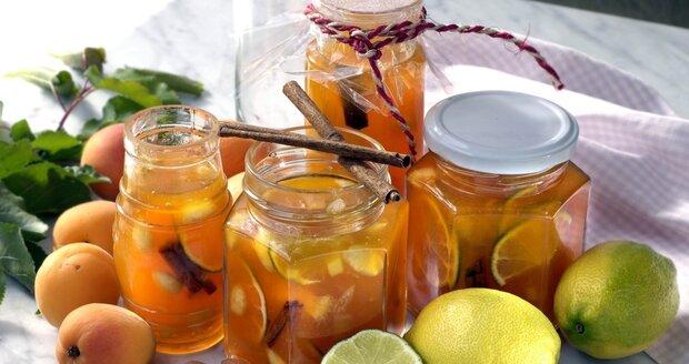 V polovině prázdnin přichází ten pravý čas na marmelády a džemy.