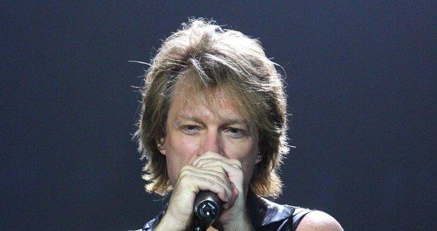 Jon Bon Jovi je zpěvák známé skupiny.