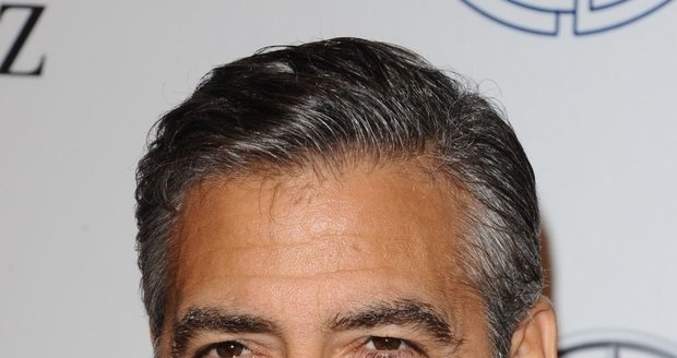Nestárnoucí idol mnoha žen George Clooney (51) je známý z filmů Dannyho parťáci