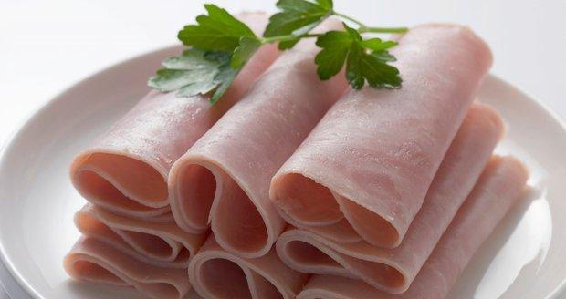 Vybírejte šunku dobře! Tu, která má méně než 90 % masa, si do košíku raději ani nedávajte!