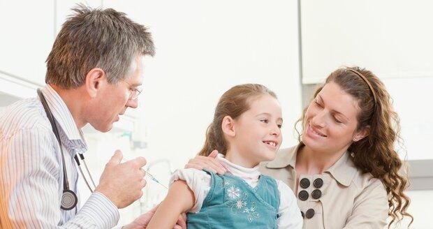 Pokud doprovázíte dítě, ale i partnera, rodiče, tchyní s tchánem nebo babičku s dědou  k lékaři,máte nárok až na jeden den placeného volna