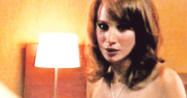 Pauhofová ukázala své vnady ve filmu Ženy mého muže.
