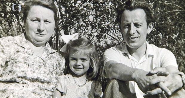S babičkou, která jí vyprávěla pohádky a zpívala operní árie (1957)