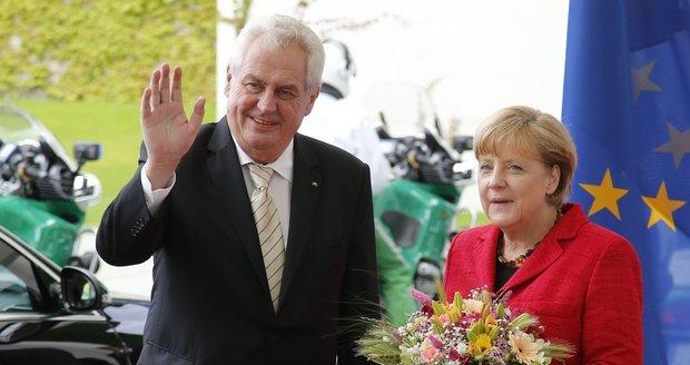 """Merkelová přijede do Česka 25. srpna. """"Královna uprchlíků"""" dorazí i na Hrad"""