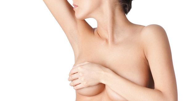Větší prsa můžete mít i díky fenylku, nebo sóje!