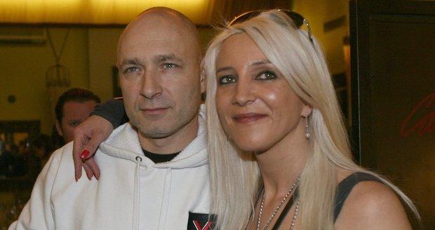 Daniel a Mirjam Landovi jsou manželé od roku 1990 a mají spolu dcery Anastázii, Roxanu a Rozálii.