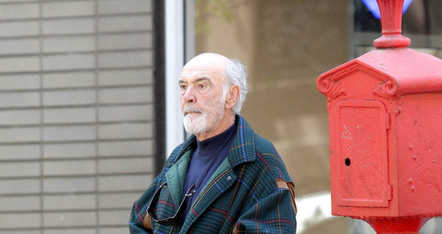 Sean Connery (83) se často probere na ulici a neví, kde je