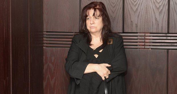 Jakubisková se u soudu rozplakala.