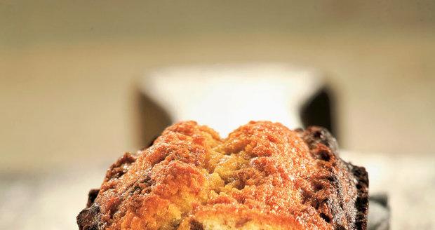 Voňavý mramorový chlebíček s ořechy