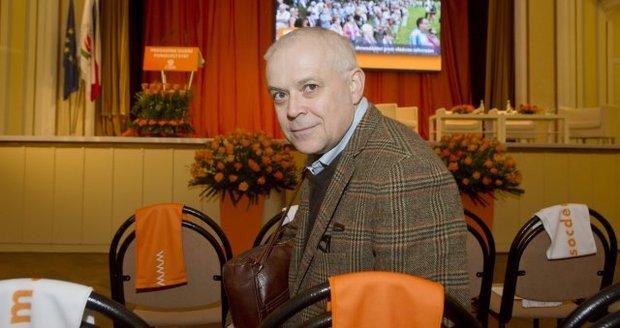 Expremiér Špidla přišel o práci, plánuje návrat do vysoké politiky?