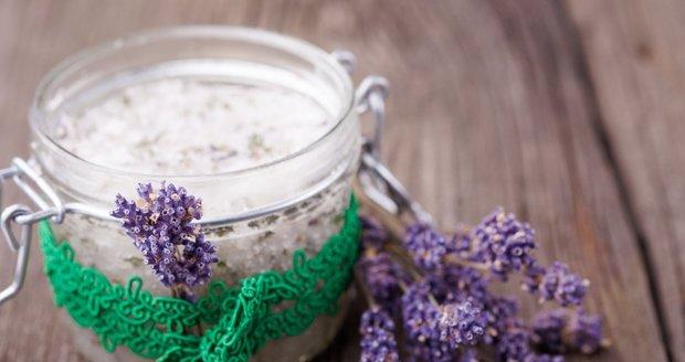 Vyrobte si domácí krém z přírodních produktů, který bude vyhovovat vašemu typu pleti