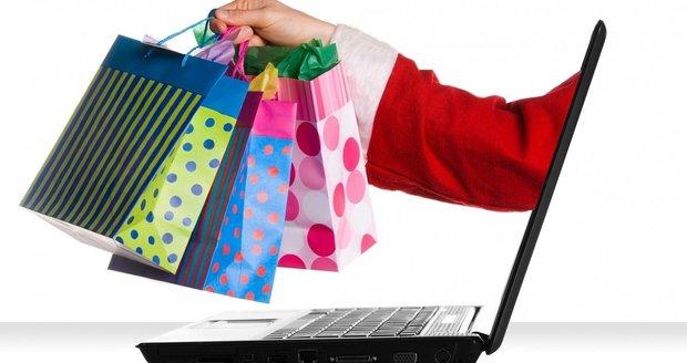 Nákup dárků přes internet se vyplatí