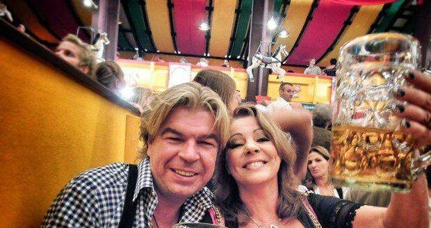 Sandra se svým druhým manželem Olafem na Octoberfestu v roce 2012