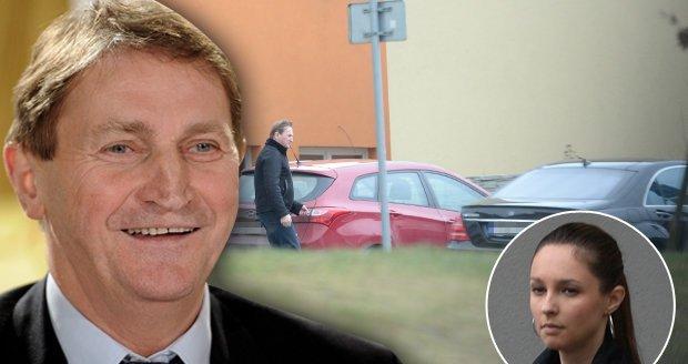 Alois Hadamczik si hojí rány z kritiky po nominaci do Soči u milenky v Hlučíně.