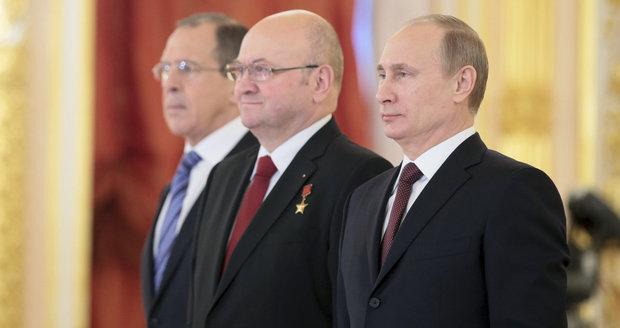 Remek končí v Moskvě. Vedení ambasády v Rusku opustí v lednu