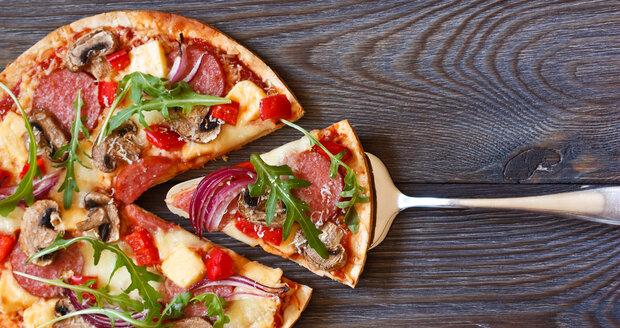 Pizzu milují všichni. Naučte se ji jako profík!