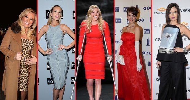 Krásné ženy v krásných i podivných šatech.