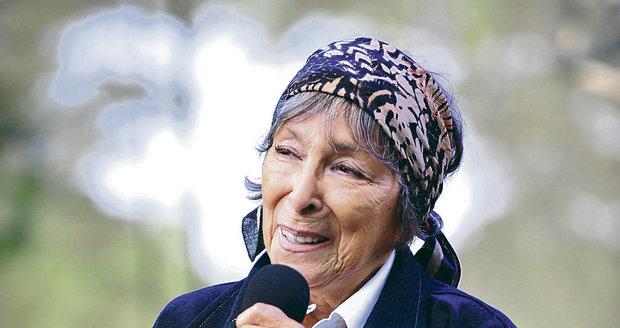 Zahraniční kritici ji nazývali Piaf z Prahy a také šansoniérkou se slovanskou duší.