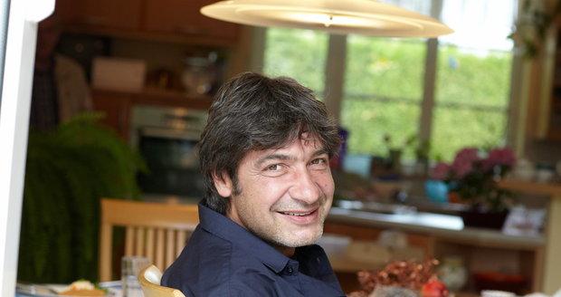 Jiří Babica je vyhlášený kuchař.