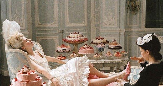 Královna Mare Antoinette je prý jednou z nejžhavějších žen věšech dob.
