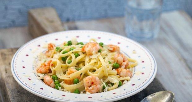 Těstoviny nemusí být jen kalorickou bombou, ale i super dietním obědem!