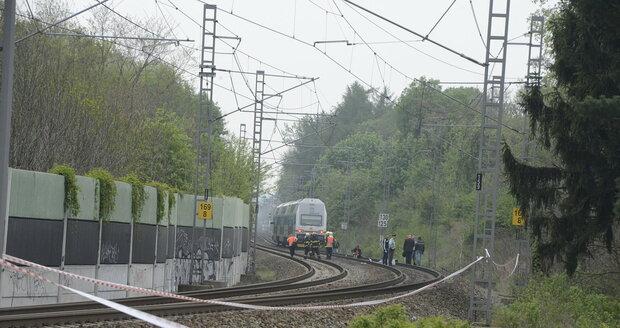Na tomto místě skočila Iveta Bartošová pod vlak