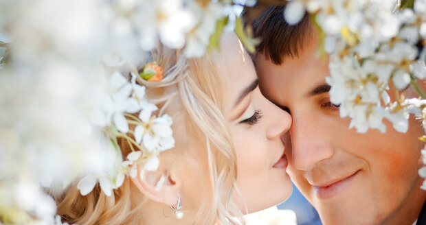Poznáte, kdy je čas skočit do manželství po hlavě?
