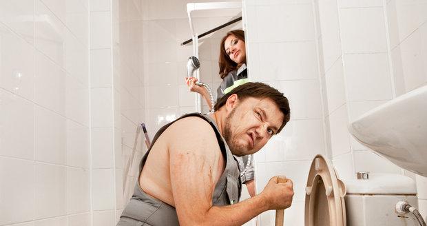 Dohání vás velká rodina a malá koupelna k šílenství? Ušetřete drahocenné centimetry.