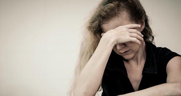 Jako by nevěra manžela nebyla už tak dost hrozná, musela se Dana poprat jeste s pohlavní chorobou.