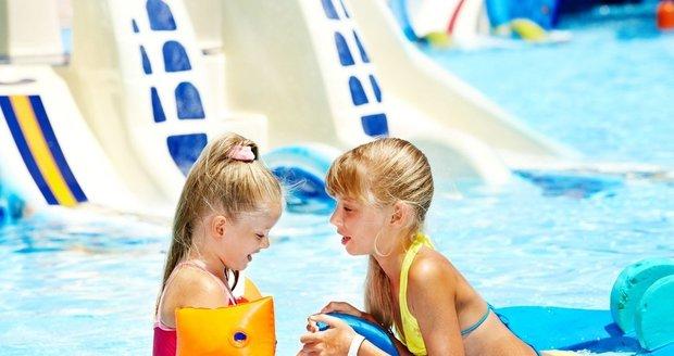 Vyražte s dětmi o víkendu třeba do jednoho z mnoha aquaparků.