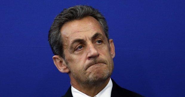 Sarkozyho zadržela policie. U exprezidenta Francie vyšetřují peníze na kampaň