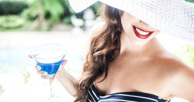 Chcete aby váš make-up vypadal perfektně i v létě? Dodržujte tyto rady!