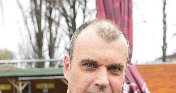 Herec Petr Rychlý se role doktora Mázla jen tak nevzdá.