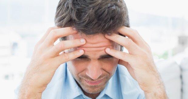 """""""Bodavá a řezavá bolest mi často znemožňuje jakoukoliv činnost. Když mám záchvat, nemohu se na nic soustředit, """" říká Jan Zadražil"""