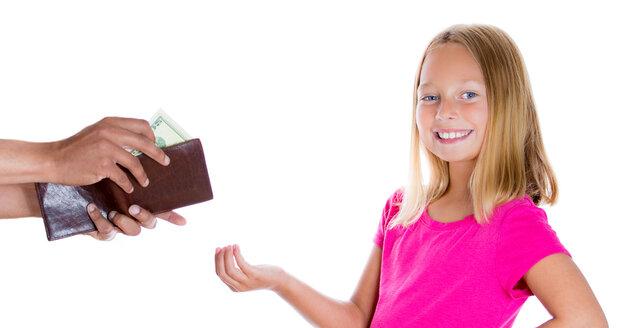 Vlastní peníze mají pro vývoj dítěte určitě smysl, ale musíte ho naučit, jak s nimi hospodařit.
