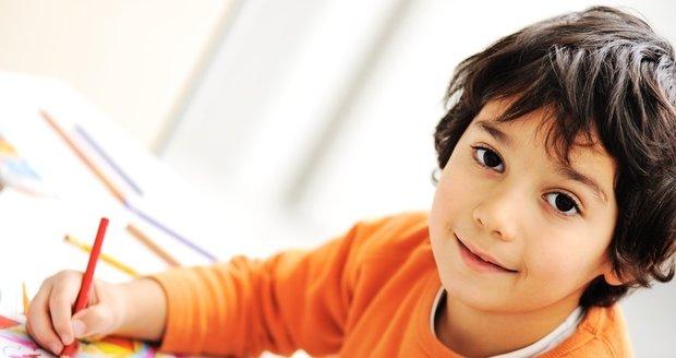 Zpozorněte, pokud si myslíte, že vaše dítě trpí dětskou »nešikovností« – to znamená, že nerado maluje, staví z lega...