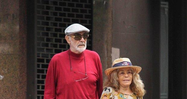 Svou choť si Connery vzal již v roce 1975.