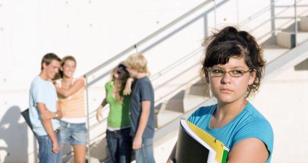 Váš navenek sebevědomý puberťák může mít před prvním dnem v nové škole rozklepaná kolena. Mějte pro jeho strach pochopení