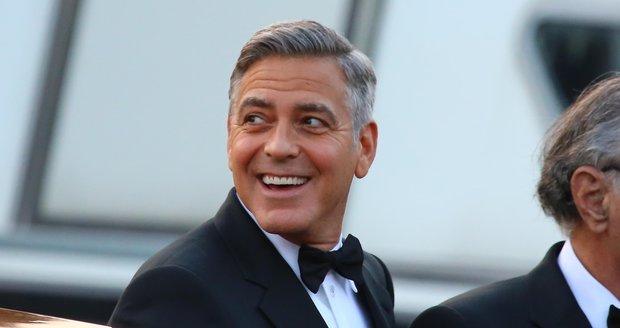 George Clooney začal chodiť Amal