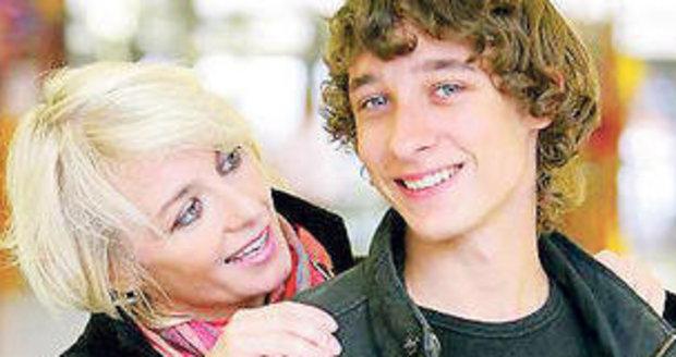 I Honza Herclík vyjel do světa hledat svou biologickou matku, která ho opustila.