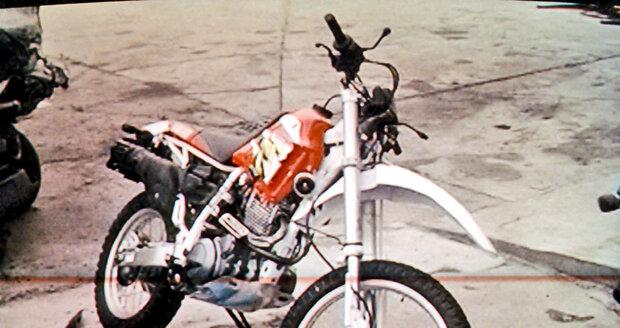Rážova motorka po nehodě