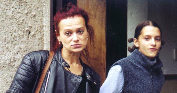 Yvetta v roce 2000, už tehdy na ní bylo vidět, jak s ní alkohol a drogy zamávaly.