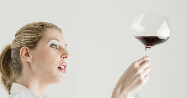 Svatomartinské víno se podle tradice začíná ochutnávat 11. listopadu v 11 hodin.