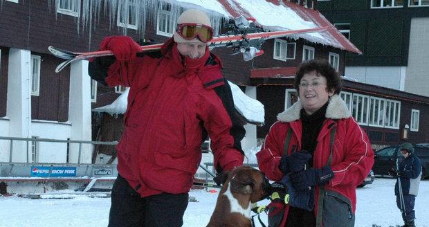 Boušková s Vydrou zimu milují, hodně času tráví na svahu.