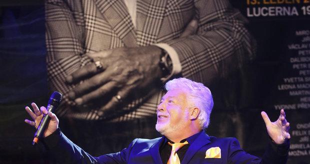 Koncert k 70. narozeninám Milana Drobného: Oslavenec si to v Lucerně užíval