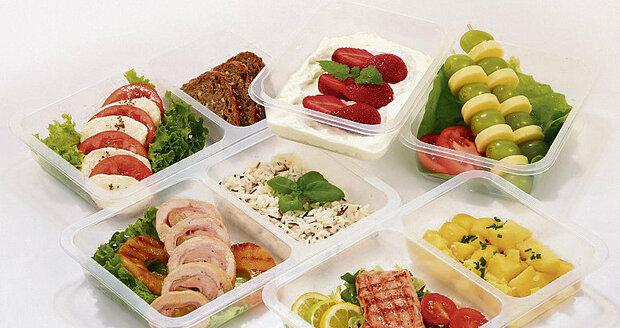 Krabičkovou dietu si můžete udělat i doma, my vám poradíme, jak  se vyznat v těch prodávaných.